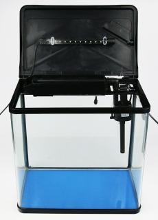 (Używany) Zestaw akwariowy 30L - Akwarium wyposażone w filtr i oświetlenie